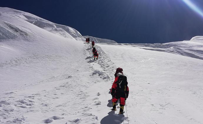 登峰测极|风大、雪深,2020珠峰高程测量的三次冲顶