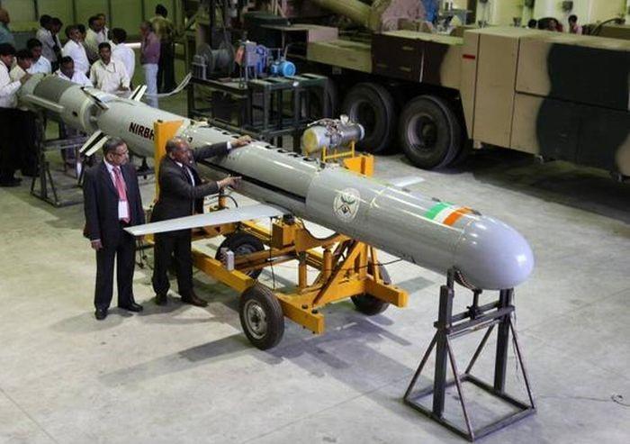 """""""无畏""""导弹若批量装备,将大幅提升印度海军和陆军的远程打击能力。"""