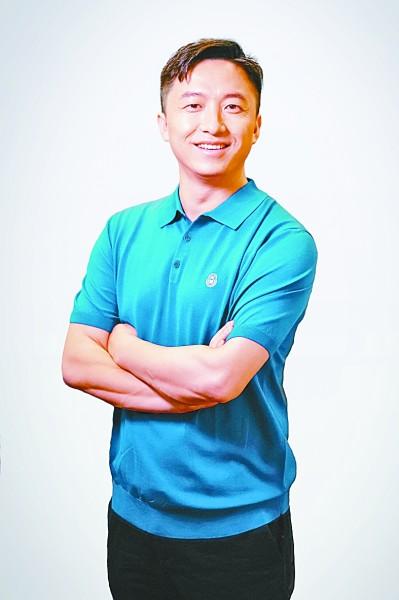 陶阳宇,80后程序员,腾讯云人工智能平台总监。目前从事人工智能、大数据领域研究,主攻机器学习和安全联合计算。