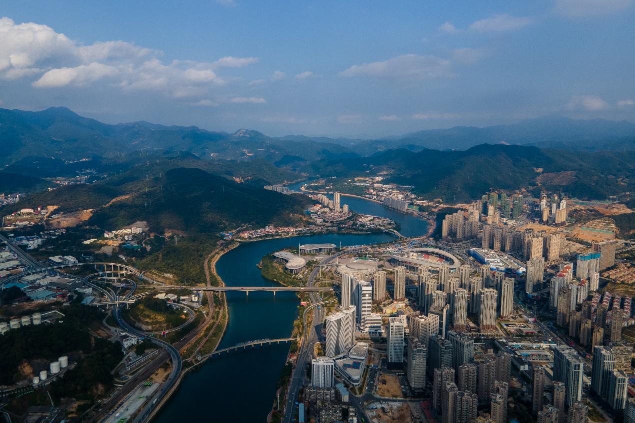 2020年11月22日下午,天气晴朗,航拍的三明市城区。