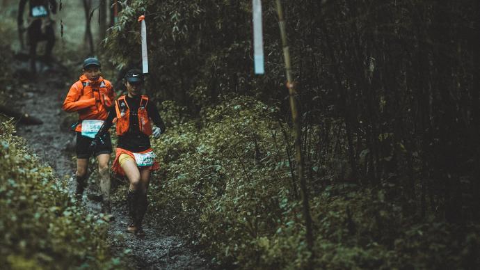 收集山林垃圾,宣传动物保护,世界越野赛事选择在中国重启