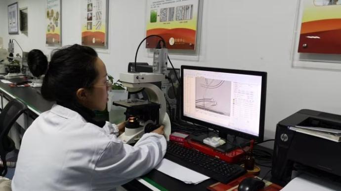 浙江消保委比较试验:网购9款吸湿速干型服装测试全部不合格