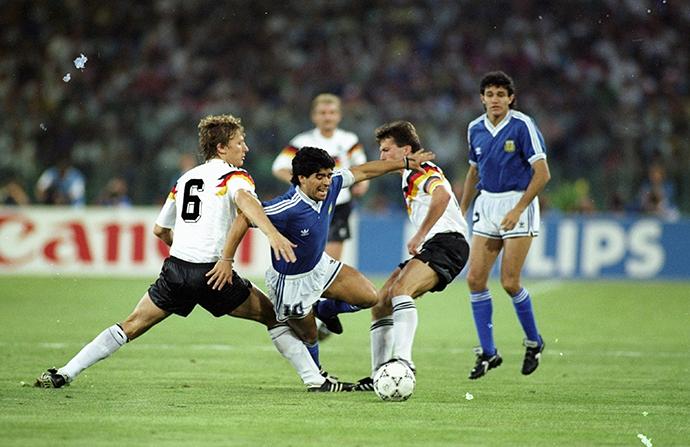 马拉多纳在1990年世界杯决赛上。