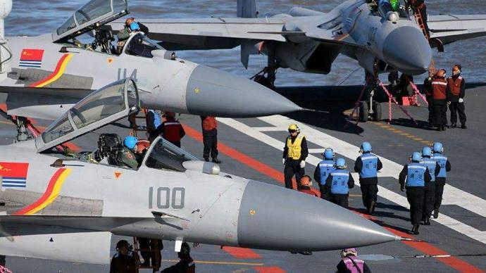 國防部:中國海軍雙軌并行加快培養艦載戰斗機飛行員