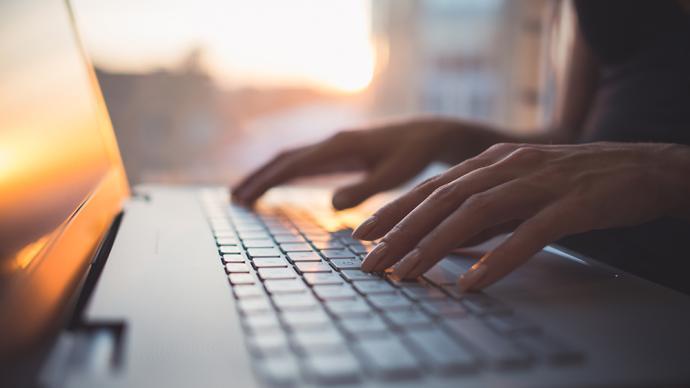 聚焦網絡文學:現實題材網絡文學創作者正經歷的陣痛不可忽視