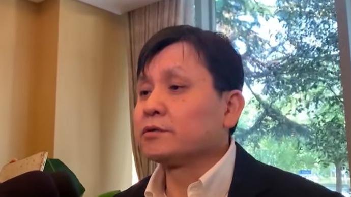 张文宏:今年年底到明年年初,全球将迎来新冠疫苗上市高潮