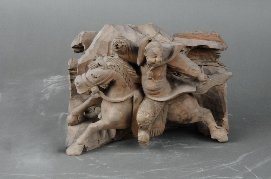 赵子龙小年夜战少坂坡木雕,浑代少2七、宽1九、薄13.7厘米,传世品亳州市专物馆匿