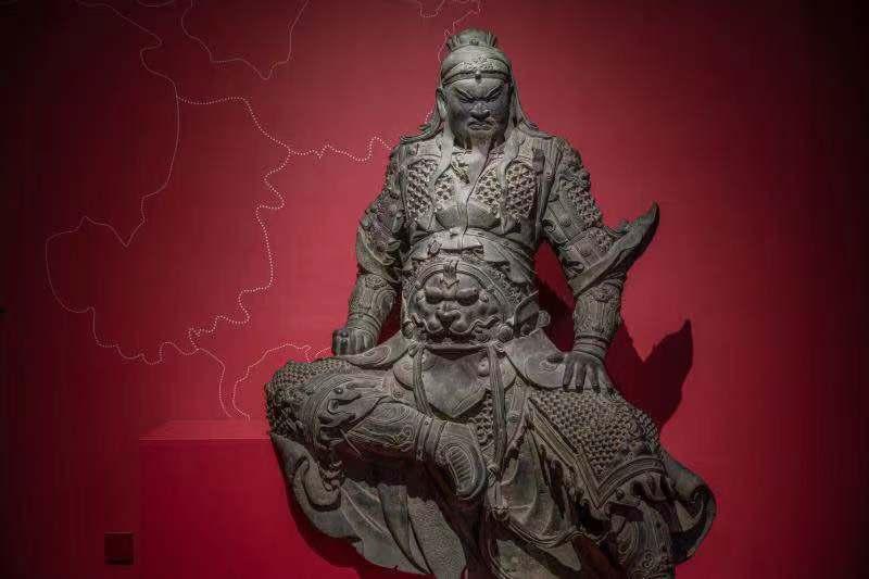 闭羽铜坐像,明代下17两、宽11八、薄98厘米(578kg)新乡市专物馆匿