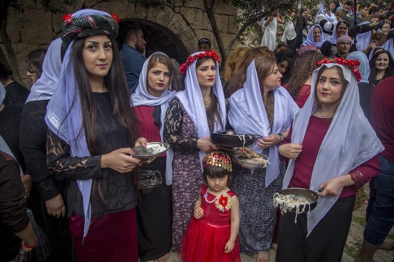 2017年4月18日,伊拉克杜胡克,雅兹迪人聚在一起庆祝新年。