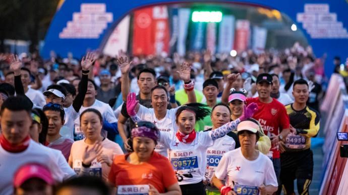三大赛事一天联袂上演:中国马拉松初冬回暖,但不盲目跟风