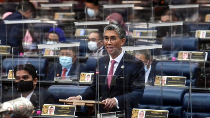 """馬來西亞下院""""聲浪""""表決通過預算案,外媒:穆希丁免于下臺"""