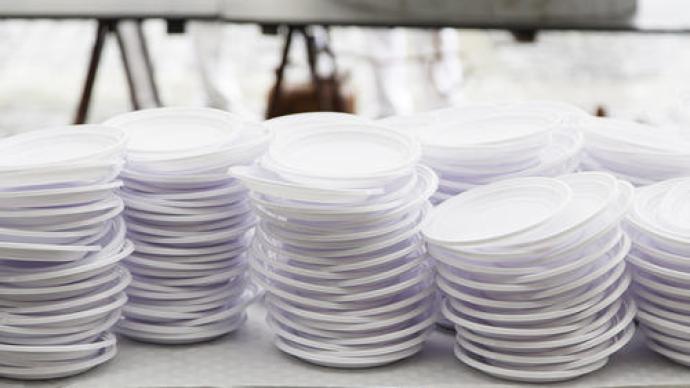 商务部:外卖企业等应报告一次性塑料制品使用、回收情况