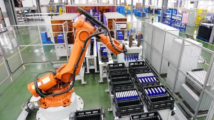 工信部:10月全国工业机器人完成产量同比增长38.5%