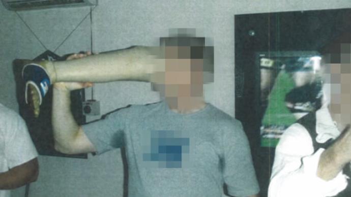 澳大利亚士兵被曝用塔利班士兵假肢喝酒