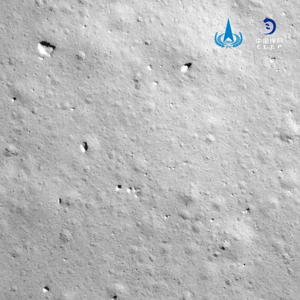 下降过程降落相机拍摄的图像。中国探月工程 图