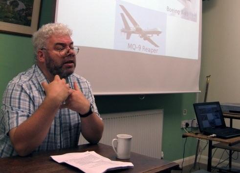 """无人机战争""""组织主管克里斯·科尔"""