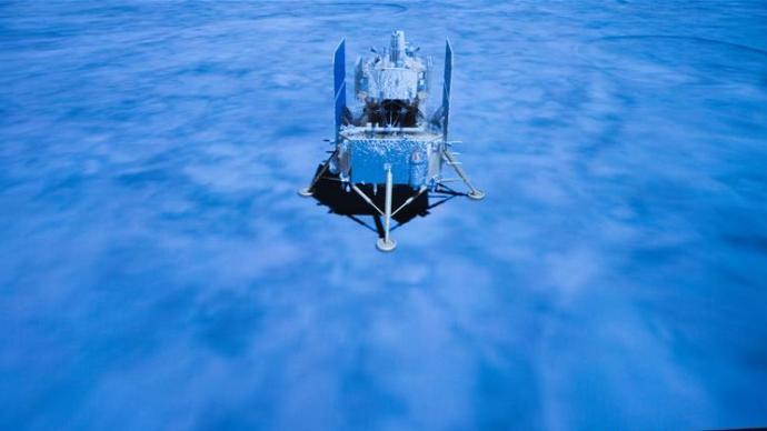 嫦娥五号探测器正按计划开展月面采样工作