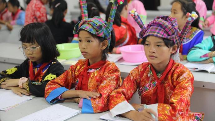 最后的脫貧戶 廣南女童班教育扶貧,助五百余名女娃走出大山