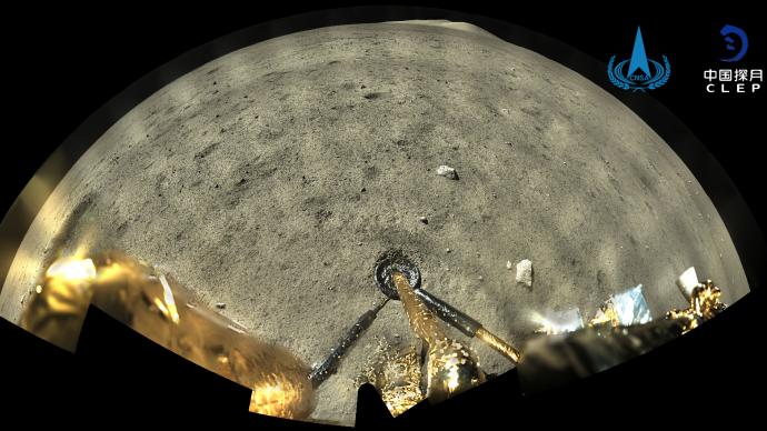 """嫦娥五号晒出""""挖土""""工作照,采样正按计划进行"""