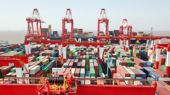 商务部谈集装箱运费飙升:加快集装箱回运支持集装箱企业扩产