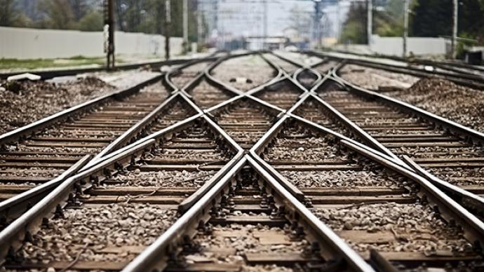 大漠新动脉格尔木至库尔勒铁路将于12月9日全线贯通