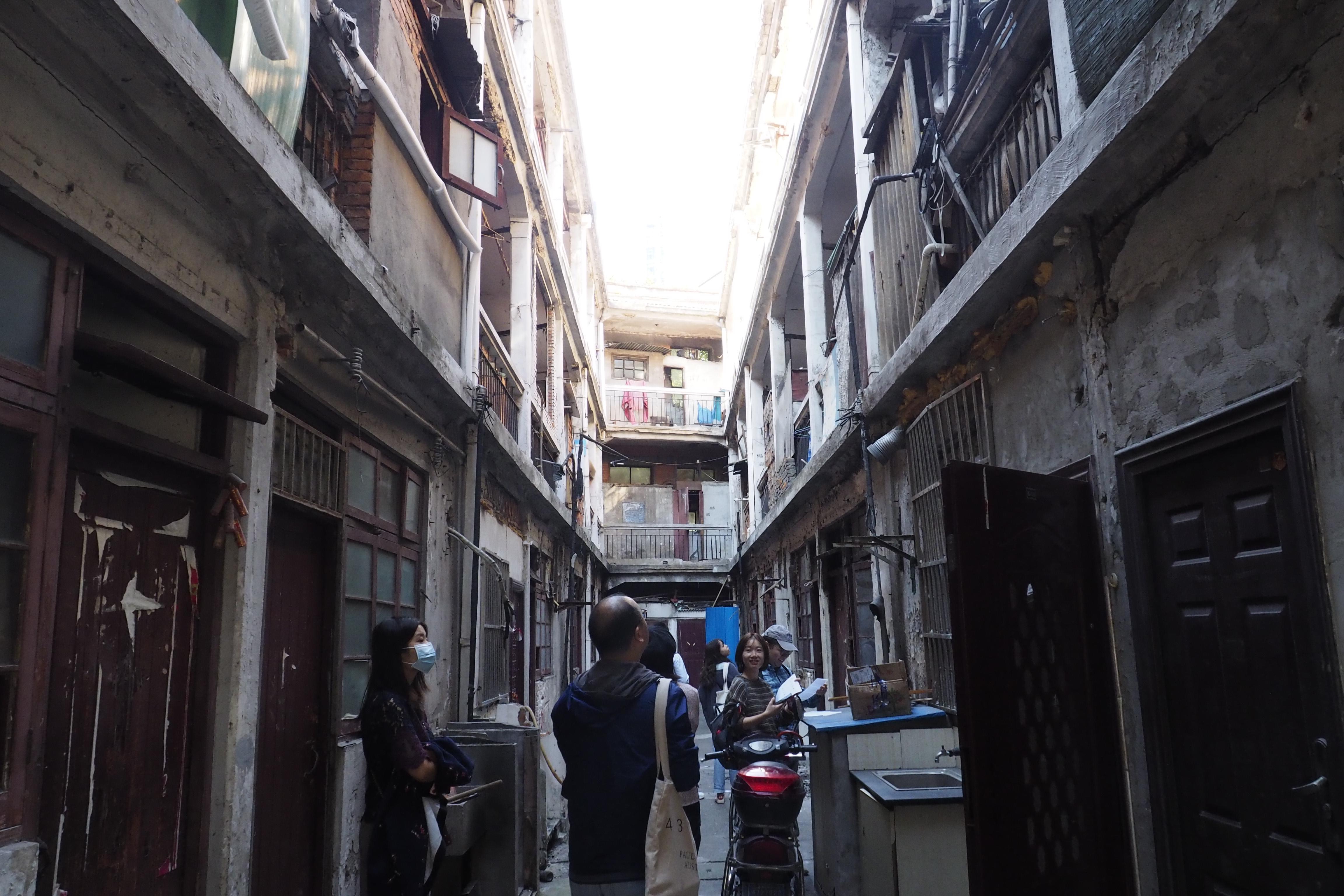 探访上海造币厂旁的老弄堂。 丽华 摄