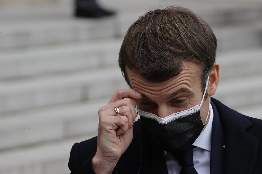 当地时间2020年12月16日,法国巴黎,法国总统马克龙戴口罩会见葡萄牙总理安东尼奥·科斯塔,共进工作午餐。 人民视觉 图
