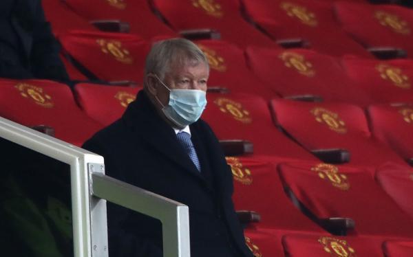 老爵爷弗格森在看台目睹了曼联6-2大胜利兹联。