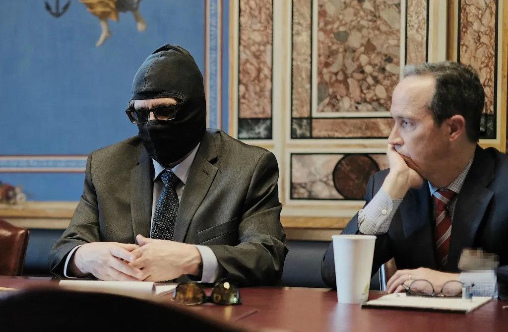 《罗琴科夫反兴奋剂法案》以俄罗斯反兴奋剂实验室前负责人格里高利·罗琴科夫(左)命名,他曾揭发了俄罗斯系统性大规模服用兴奋剂的行为。