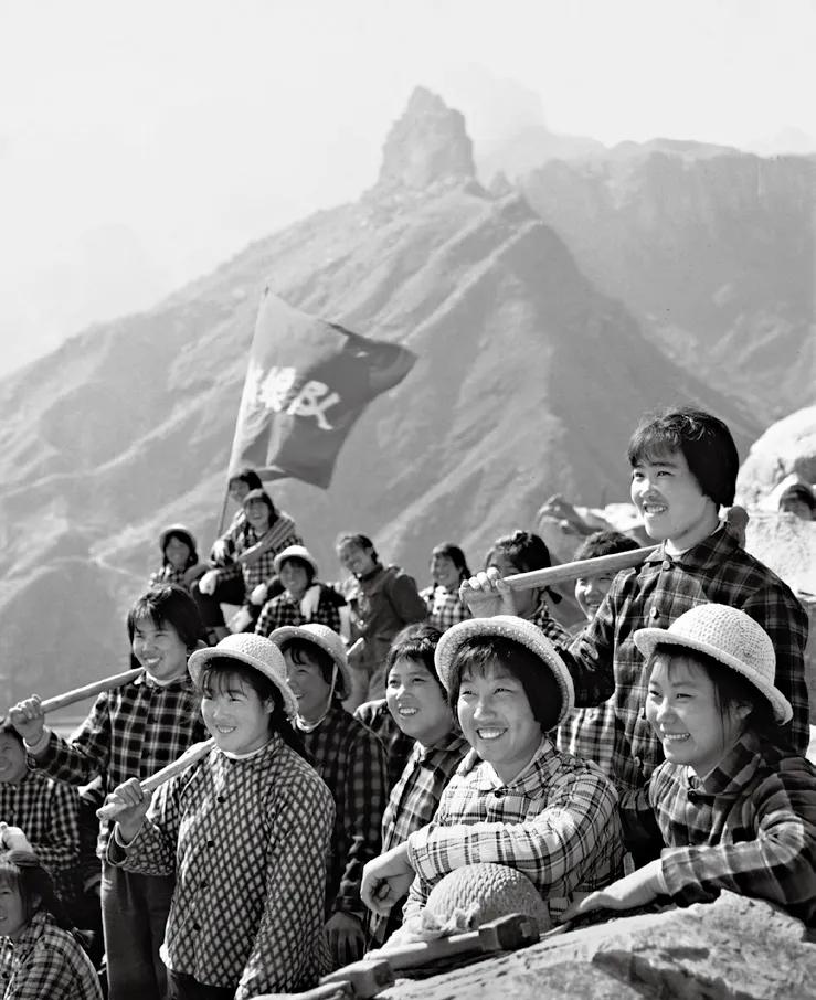 《石姑娘队》,辉县石门水库修建工地,1971年5月