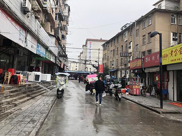 法子英供述的劳荣枝购买藏尸用冰柜的市场。澎湃新闻记者 卫佳铭 摄