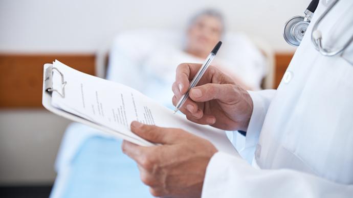 照護是醫學實踐的核心,但為何在醫生的工作中變得越發邊緣?