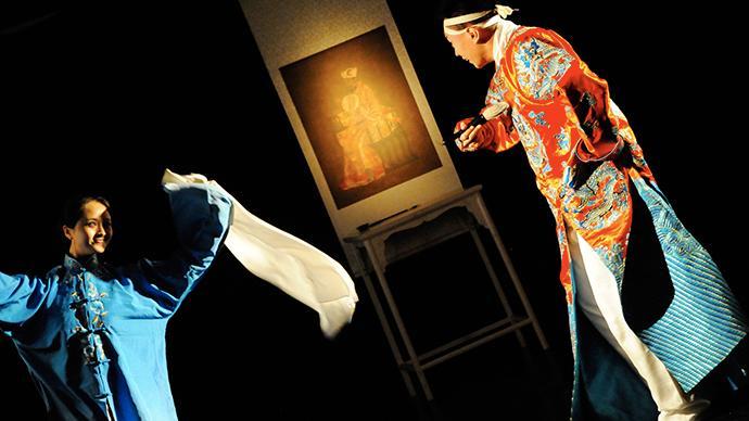 在劇場煮飯、上課,導演黃盈兩部作品陪伴上海觀眾跨年
