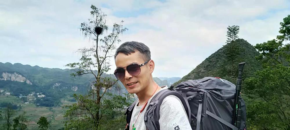 如今36岁的杨明已经头发半白