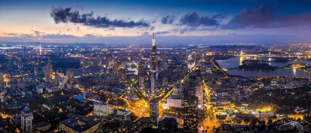 璀璨南京夜景。南报融媒体记者 丁劼摄