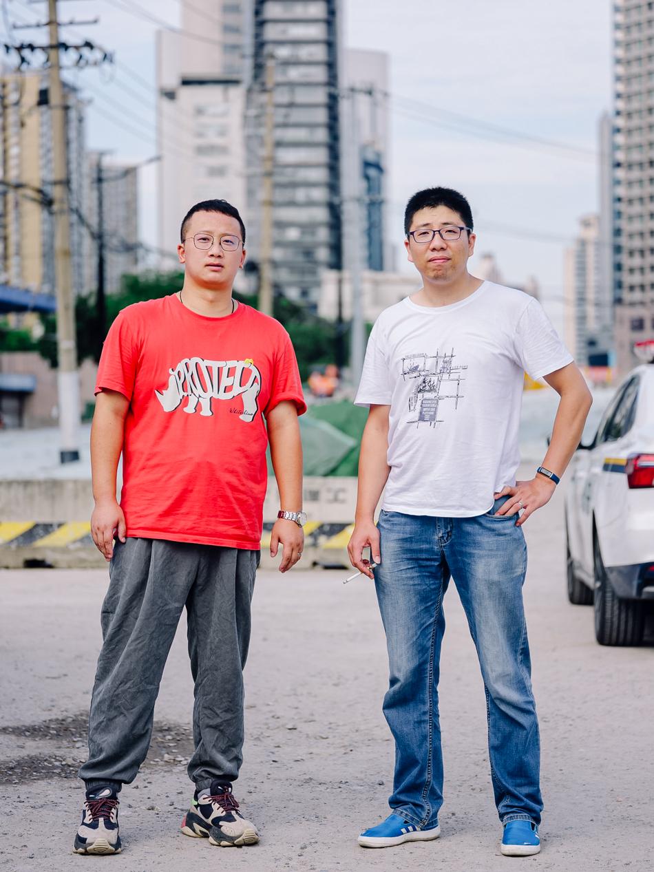 改造中的昌平路桥,工程组工作人员,上海市静安区昌平路西苏州路,2020年8月11日。