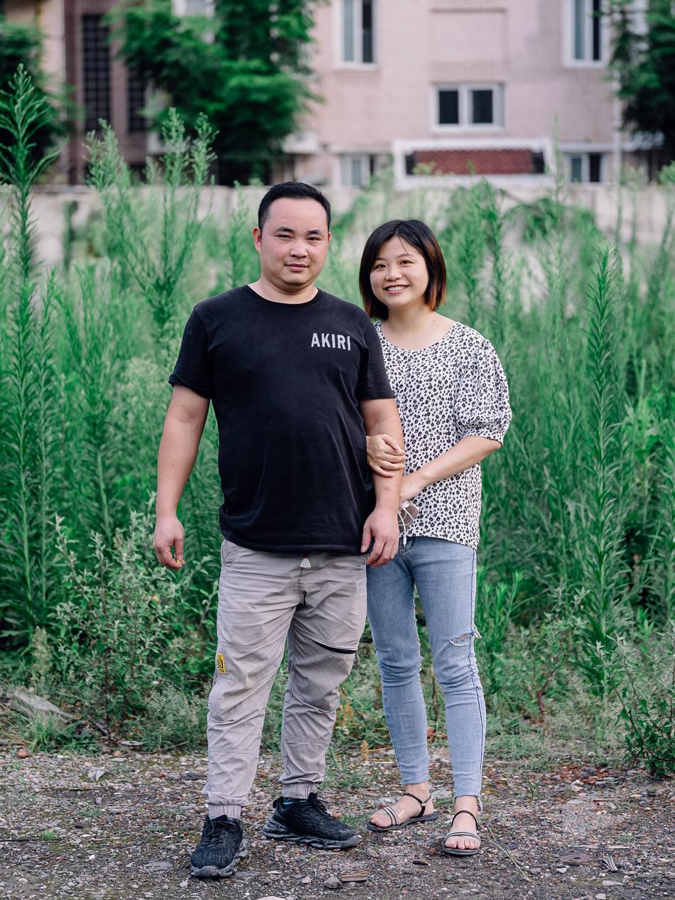 租住在一处待拆迁养老院中的年轻夫妇,上海市静安区西苏州路,2020年8月11日。
