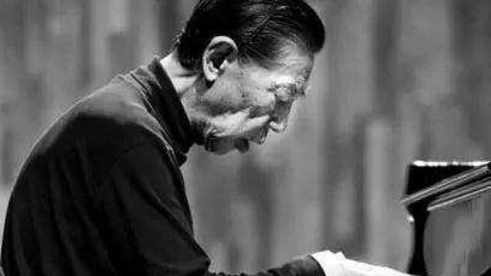 钢琴家傅聪因新冠肺炎在英国去世,其父系著名翻译家傅雷