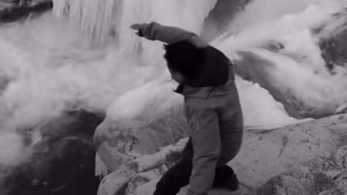 """""""西藏冒險王""""失蹤8天:為求完美重拍作品踩到暗冰滑墜冰潭"""
