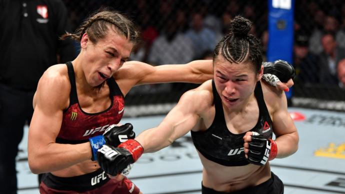"""實至名歸!張偉麗擊敗喬安娜獲評UFC""""年度最佳比賽"""""""