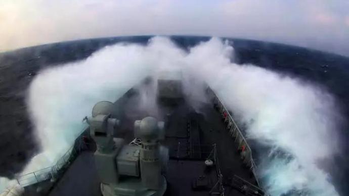 海南島周邊多海域同時進行軍事訓練,禁止駛入