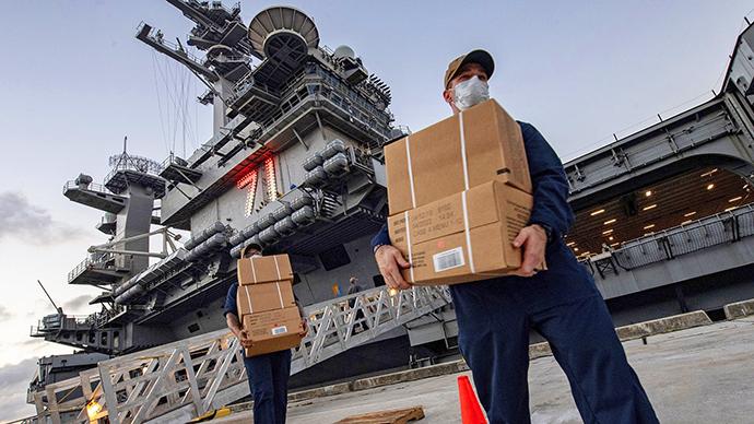 """因為疫情,美國航母""""羅斯福""""號只能中斷部署任務。"""