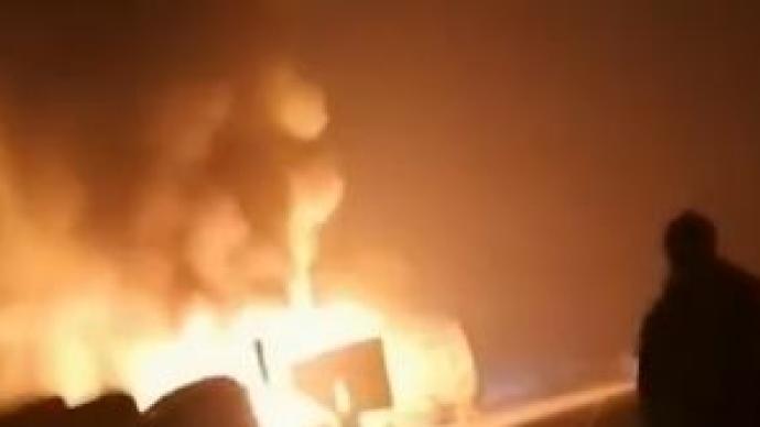 包茂高速湘西州段發生連環交通事故,已致9人遇難