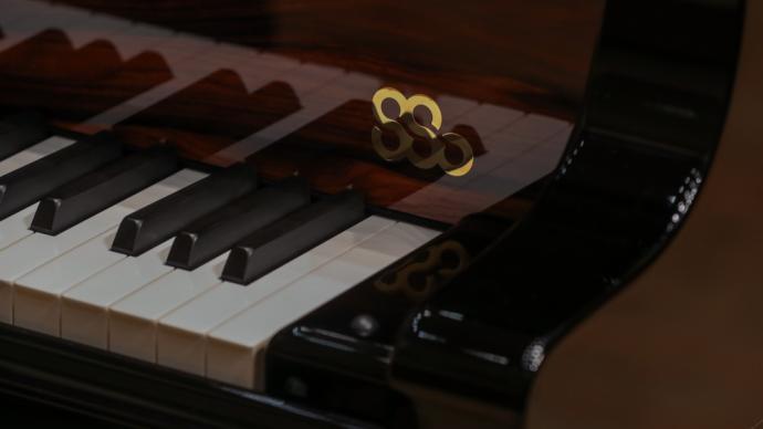施坦威為上海交響樂團定制鋼琴,空運抵達上海