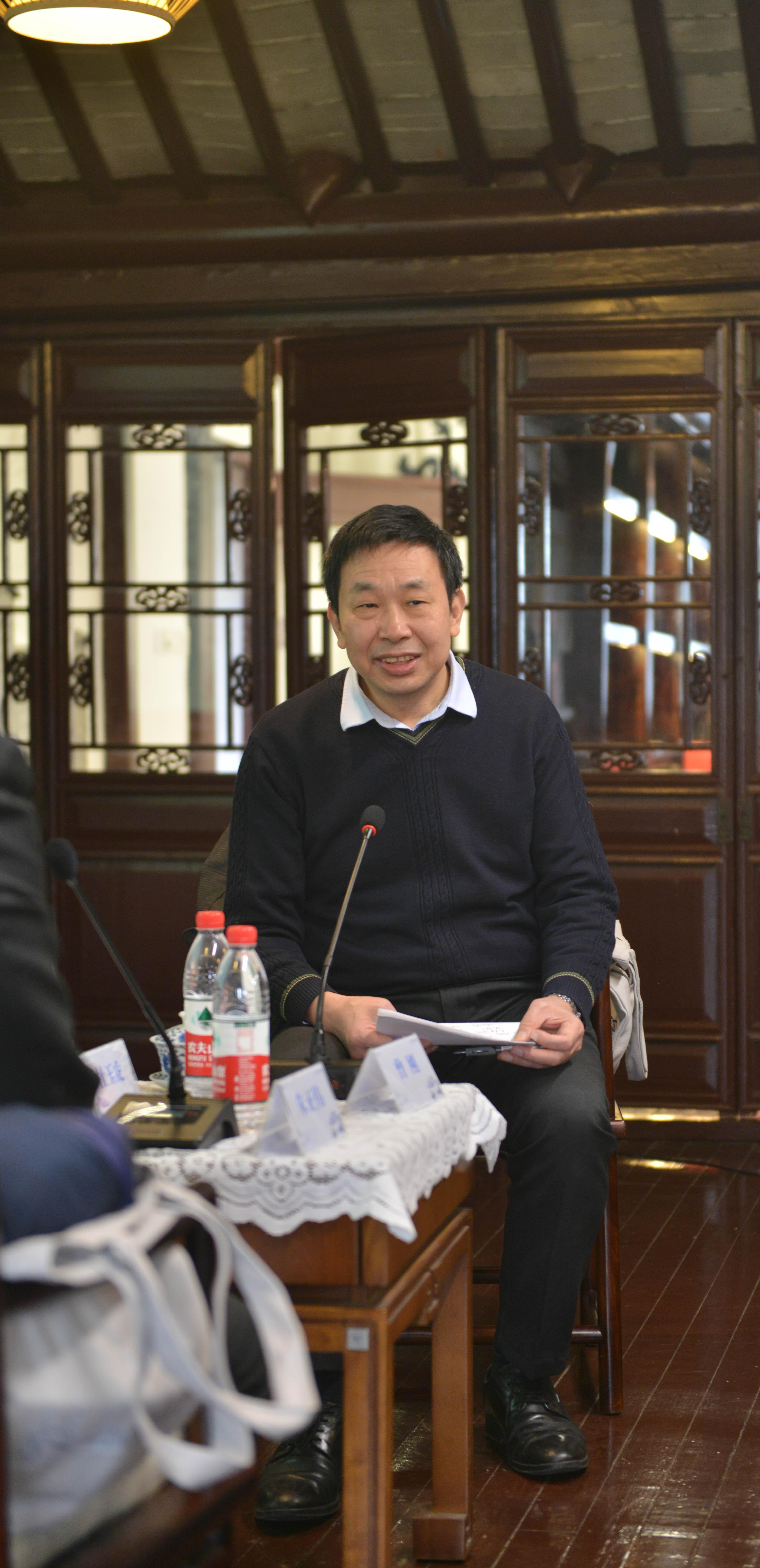 教育部重点研究基地·中国现代城市研究中心主任、华东师大城市发展研究院院长曾刚教授