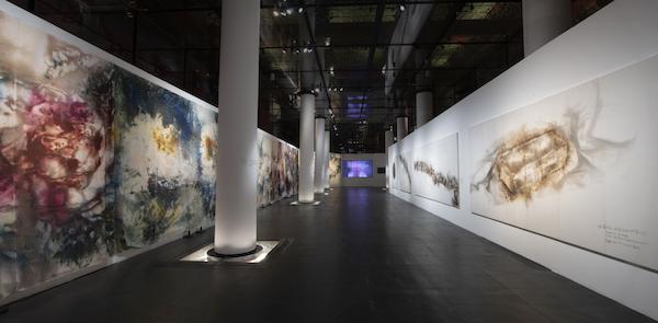 """""""远行与归来""""午门正楼展览现场,2020。林毅摄,蔡工作室提供"""