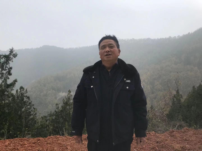 """""""林二代""""熊国亭,他的父亲曾在林场工作。"""