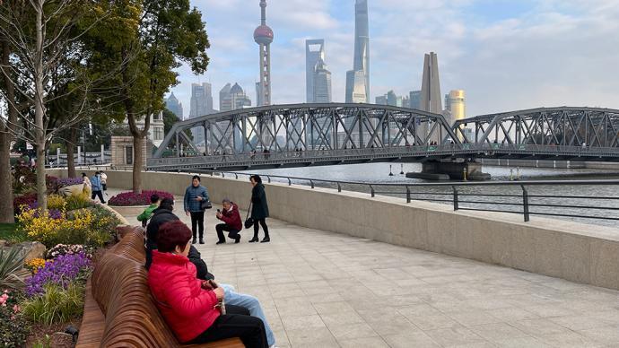 苏州河沿岸最长的长椅有112米,这个数字是一座桥的年龄