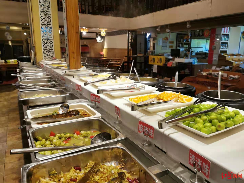 ↑餐厅菜品有多个口味。