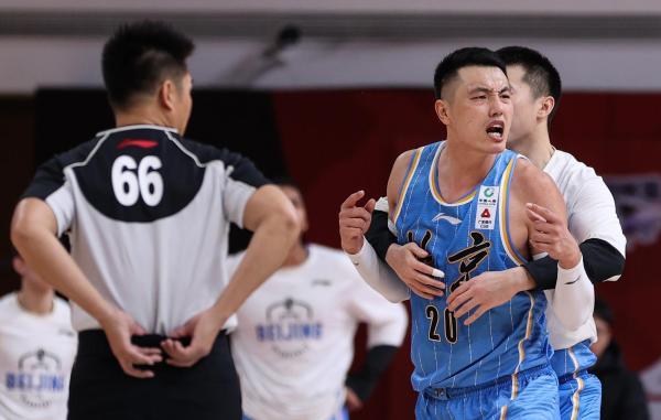 博猫娱乐新闻:纵观CBA|北京队一场罢赛闹剧,揭开中国篮球最丑陋的伤疤